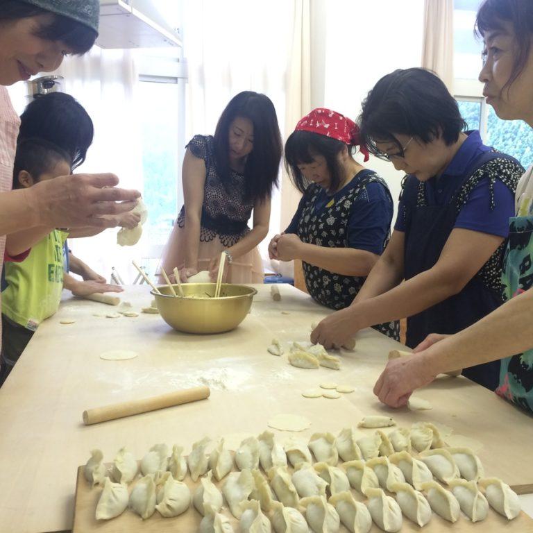中国語で水餃子つくり!サムネイル